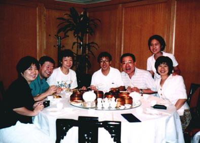 台湾ツアー食事風景です。